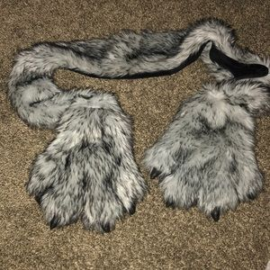 something special Accessories - WOLF 🐺 FURRY PAWS SCARF GLOVES COMBO